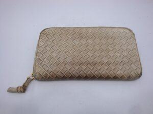ボッテガ・ヴェネタの財布の染め直し